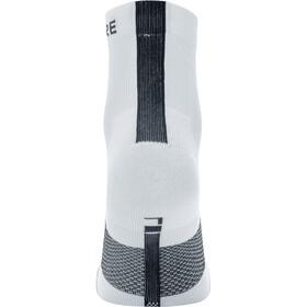 GORE WEAR R7 Chaussettes mi-hautes, white/black